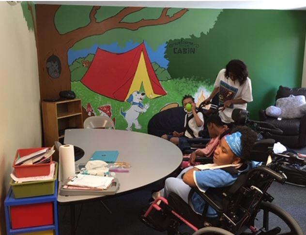 Abrakadoodle Art Teachers Team-Up to Transform Special Needs Center